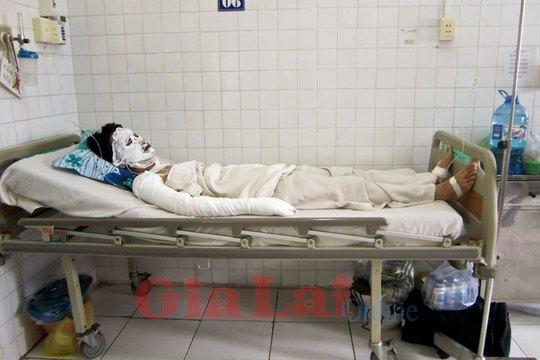 Hạ vẫn đang nằm điều trị tại Bênh viện Trưng Vương (TP. Hồ Chí Minh). Ảnh: Vũ Đoan.