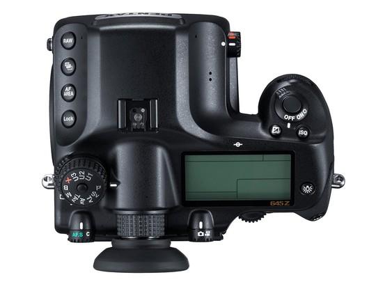 """Pentax 645Z, cảm biến medium 51 """"chấm"""", ISO 204.800"""