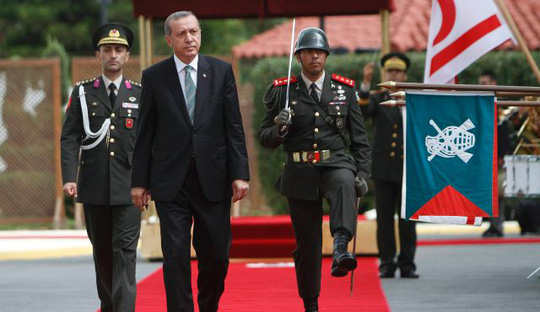 Tổng thống Thổ Nhĩ Kỳ Recep Tayyip Erdogan cho rằng tất cả các nước lớn đều do thám lẫn nhau. Ảnh: AP