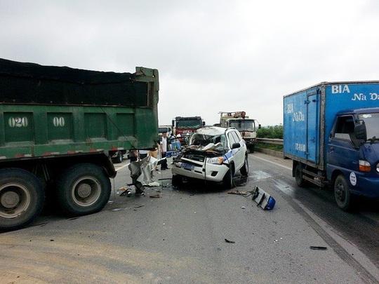 Hiện trường vụ tai nạn khiến 3 CSGT Hà Nội tử nạn, 2 người khác bị thương