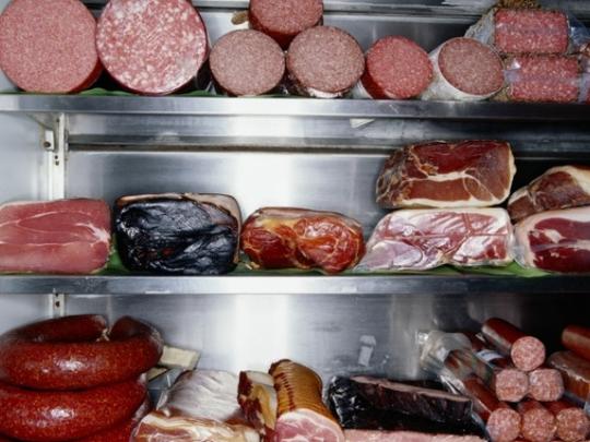 Thịt đã qua chế biến chứa natri nitrat có thể làm tăng nguy cơ tạo ra tế bào ung thư