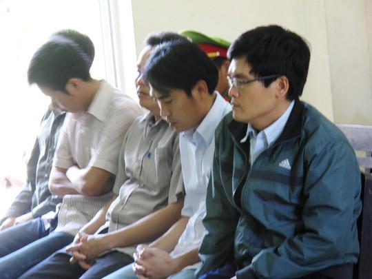 Các bị cáo ra hầu tòa vào sáng 28-3