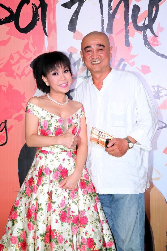 Việt Hương và đạo diễn Vương Quang Hùng