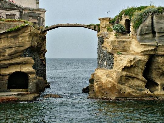 Bí ẩn hòn đảo bị nguyền rủa