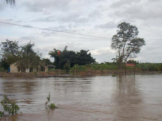 Tây Ninh: Lũ đổ về, cầu Sài Gòn 1 ngập gần 4 m