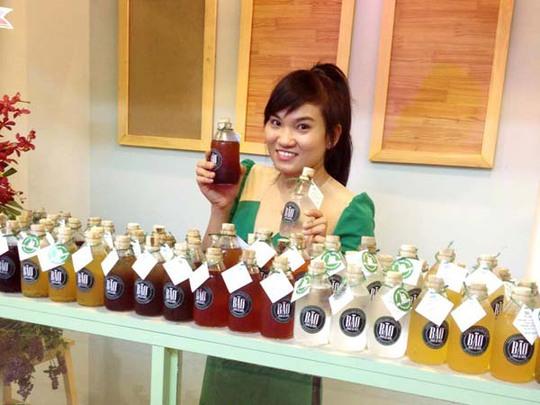 Đặc trưng của quán Bão là những thức uống dân gian được pha chế theo công thức riêng và đựng trong chai thủy tinh kiểu dáng lạ