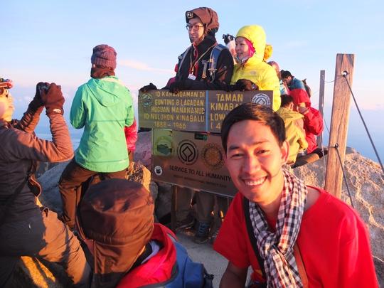Nụ cười của những người chiến thắng trên đỉnh Kinabalu