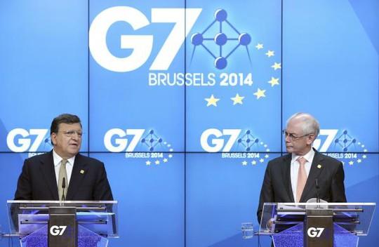 Chủ tịch Ủy ban châu Âu Jose Manuel Barroso and Chủ tịch Hội đồng châu Âu Herman Van Rompuy (phải) tại buổi họp báo trước hội nghị G7. Ảnh: REUTERS
