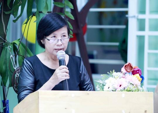 Cô Võ Thị Thùy đọc Thư của Chủ tịch nước nhân dịp khai giảng năm học mới