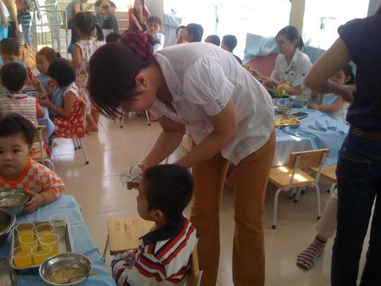 Bữa ăn cho trẻ phải rất cần cẩn trọng phòng bệnh tiêu chảy