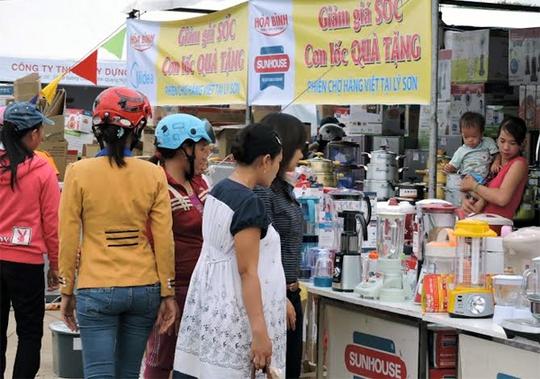 'Cơn lốc' sắm hàng điện máy ở đảo Lý Sơn