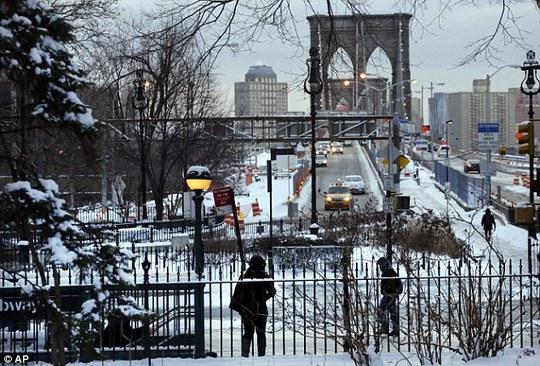 Thành phố New York ngập trong băng tuyết.