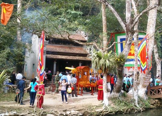 Ngôi đền thờ thần rắn, thần cá nơi phát hiện rùa vàng