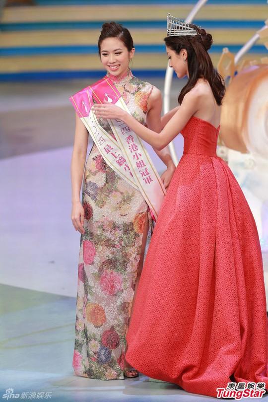 Hoa hậu Hồng Kông 2014 Bội Thi được cựu hoa hậu trao lại vương miện