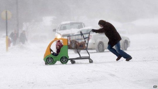 Người Mỹ chật vật trong thời tiết giá lạnh