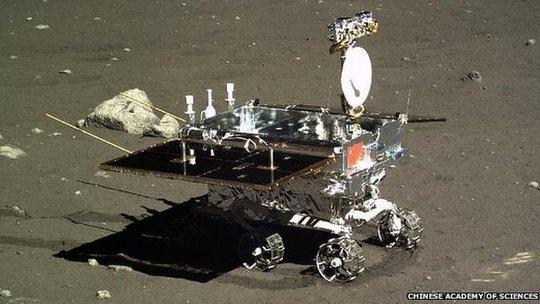 Phi thuyền Hằng Nga mang tàu tự hành Thỏ Ngọc đáp xuống mặt trăng hồi 15-12.