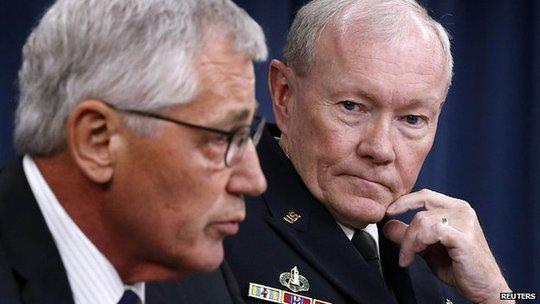Tướng MỹMartin Dempsey và Bộ trưởng quốc phòngChuck Hagel. Ảnh: Reuters