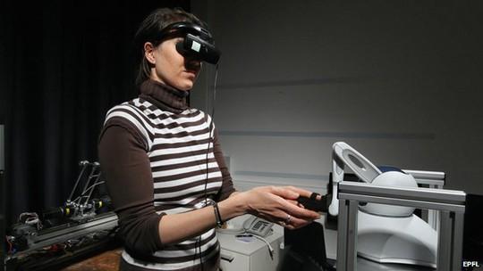 Nhóm nghiên có thể tạo ra cảm giác thấy ma ở phòng thí nghiệm.