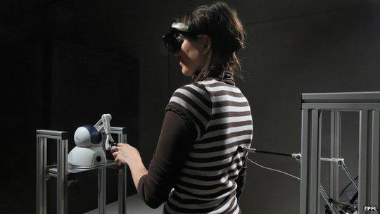 Trong thí nghiệm, nhiều người cảm nhận sự xuất hiện giống bóng ma