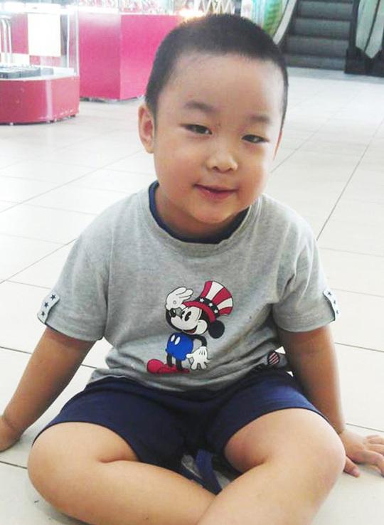 Cậu bé tài giỏi, mê lịch vạn niên Phạm Tuấn Minh Ảnh: YẾN ANH