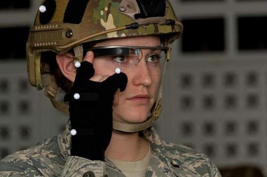 """10 vũ khí """"độc"""" của quân đội Mỹ"""