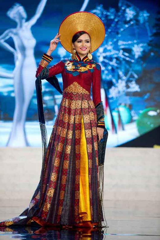 Hoa hậu Diễm Hương khai man lý lịch dự thi Hoa hậu Hoàn vũ 2012 nhưng Cục Nghệ thuật Biểu diễn không xử lý được Ảnh: TƯ LIỆU