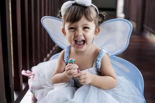 """Ngắm 2 """"thiên thần"""" nhỏ của ca sĩ Hồng Nhung"""