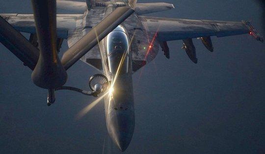 Một chiếc máy bay chiến đấu Mỹ tiến hành cuộc không kích tại Iraq. Ảnh: Rex
