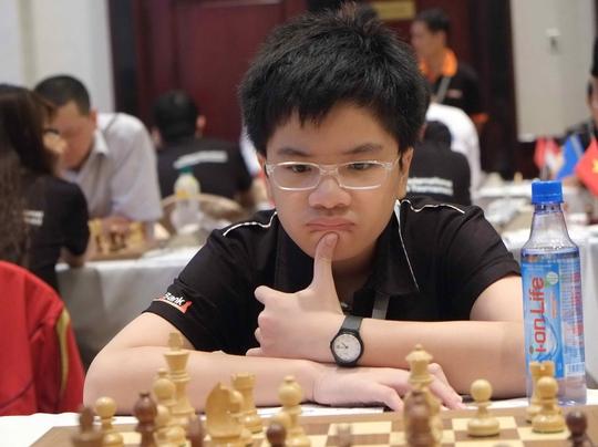 Anh Khôi gây bất ngờ ở ván 2 nhưng lại thua ở ván 3