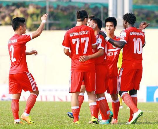 Niềm vui chiến thắng của các cầu thủ B. Dương