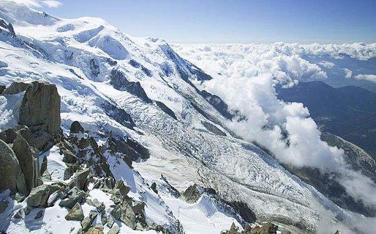 Kho báu được tìm thấy trên núi Mont Blanc. Ảnh: Rex