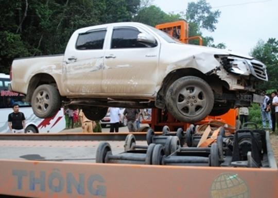 Chiếc xe mang BKS Lào được nam thanh niên điều khiển tông thẳng vào lực lượng CSGT đang làm nhiệm vụ