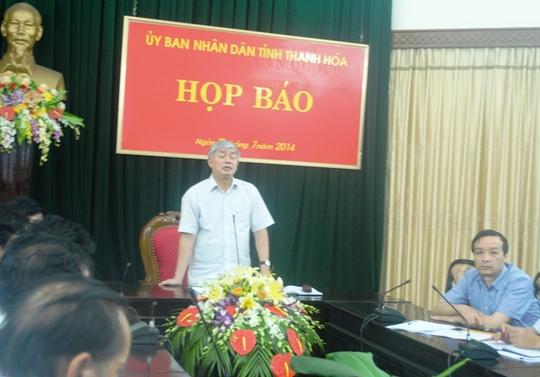 Ông Vương Văn Việt, Phó chủ tịch UBND tỉnh Thanh Hóa - Chủ trì cuộc họp báo.