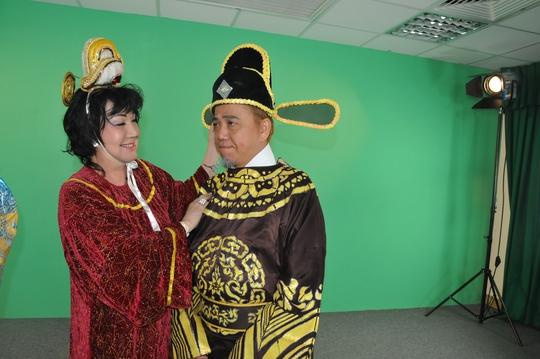 Mỹ Chi chuẩn bị vai diễn cho Hồng Tơ tại phim trường truyền hình Người Lao Động