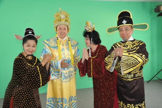 Xuân Hương, NSƯT Bảo Quốc, Mỹ Chi và Hồng Tơ chúc tết bạn đọc Báo Người Lao Động