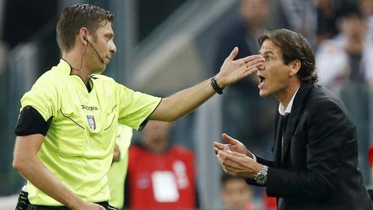 Thẻ đỏ đầu tiên cho HLV Rudi Garcia (Roma)