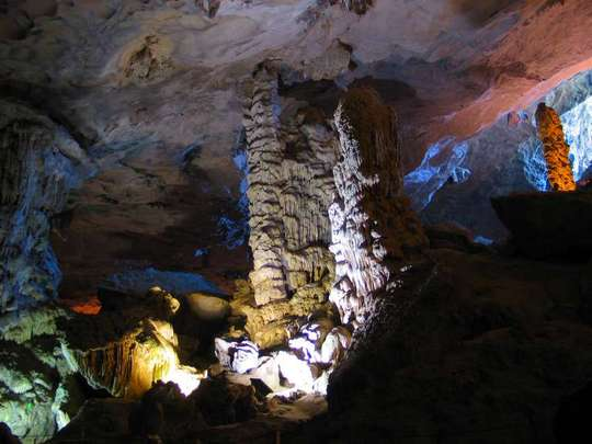 Vẻ đẹp tuyệt vời mà thiên nhiên ban tặng cho hang Đầu Gỗ