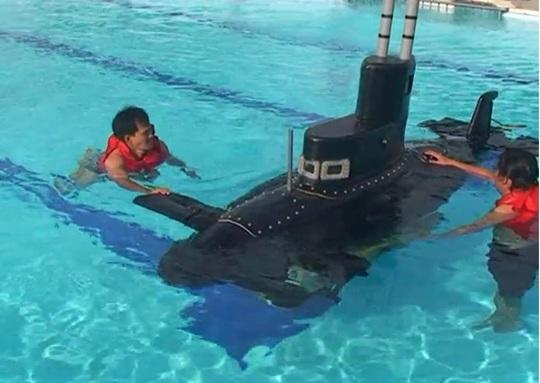 Tàu ngầm Yết Kiêu 1 của ông Phan Bội Trân trong lần thử nghiệm vào năm 2010