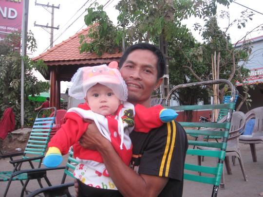 Anh Hậu cùng con gái