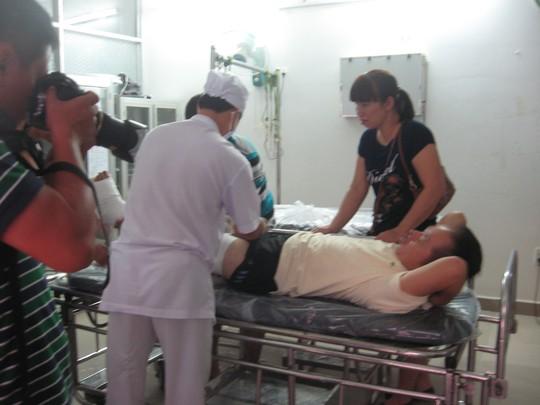 Máy trưởng Lê Đại Thành được chăm sóc y tế tại bệnh viện