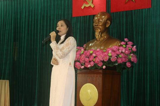 Phần thi thuyết trình của các thí sinh tại hội thi Vinh quang Công đoàn Việt Nam do Công đoàn Sở GTVT TP HCM tổ chức