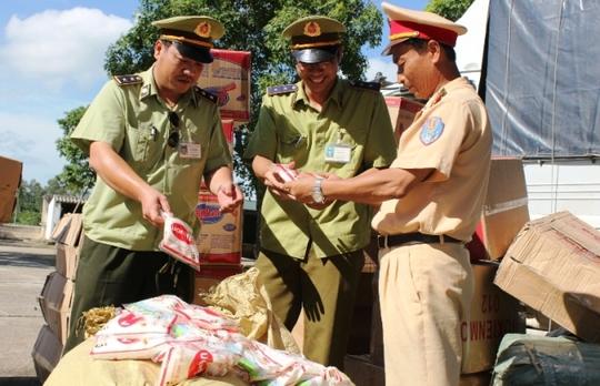 Một số lượng lớn mì chính xuất xứ Trung Quốc bị lực lượng CSGT Công an Thanh Hóa bắt giữ