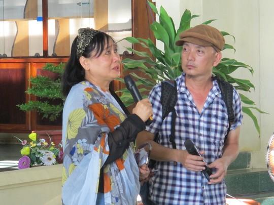 Nhà văn Nguyễn Thị Minh Ngọc và đạo diễn Hùng Phương diễn tiểu phẩm