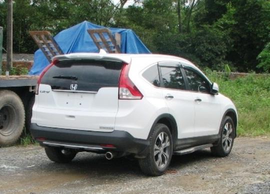 Chiếc xe Honda CRV do anh Thắng điều khiển gây tai nạn rồi bỏ trốn