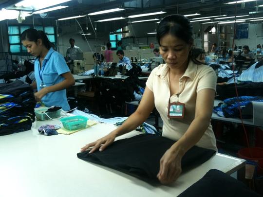 Tổng LĐLĐ Việt Nam cho rằng cần phải giảm mức đóng cho cả người lao động và người sử dụng lao động.