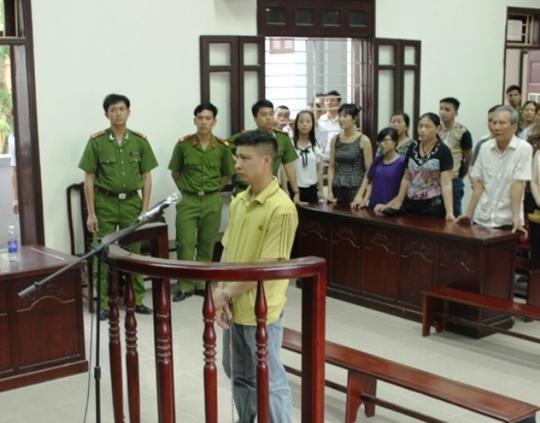 Mặc dù Tuân khăng khăng nói không giết vợ và con nhưng suốt phiên tòa bị cáo không tỏ ra ăn năn hối hận