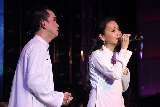 Minh Thuận bật khóc bên Cẩm Ly, Phương Thanh