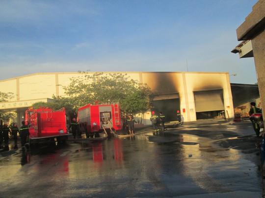 Sau hơn 2 giờ, vụ hỏa hoạn được dập tắt