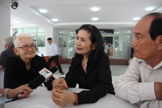 NSND Trà Giang bên cạnh người bạn diễn năm xưa - NSƯT Minh Đáng