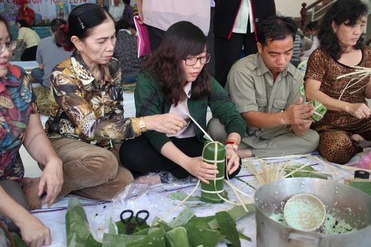 Ngày hội bánh gói bánh tét cho LĐLĐ quận Tân Bình, TP HCM phối hợp UBND, Hội LHPN quận tổ chức